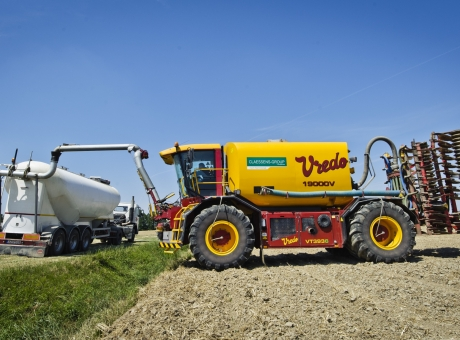 Vredo self-propelled liquid manure spreader